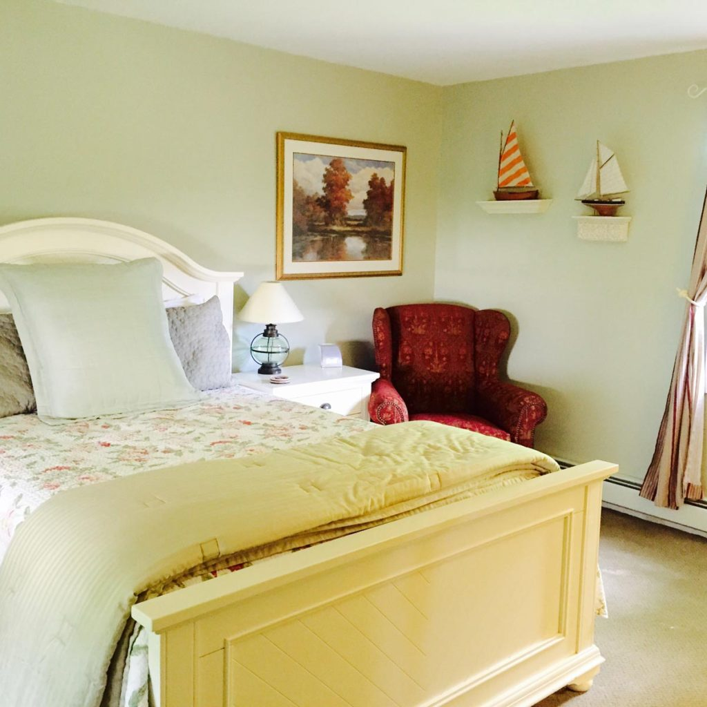 Waterstone Inn - Accommodations - Cottage - Master Bedroom - Greenwood Lake