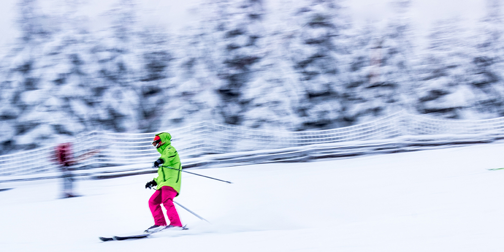 Skiing in Greenwood Lake, Waterstone Inn, Greenwood Lake, Photo by Slawek K on Unsplash